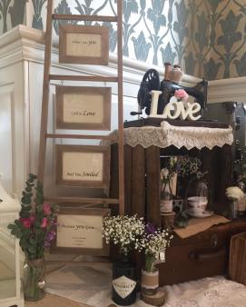 the vintage wedding fairy - step house hotel decor details